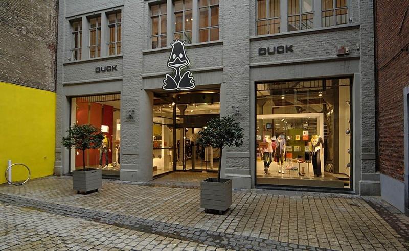 cabinet d 39 architectes magasin duck. Black Bedroom Furniture Sets. Home Design Ideas