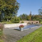 Jardin et piscine extérieure